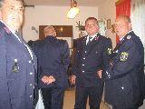 Besucher der Ausstellung (li. Inspektionsbereichsleiter Kam. Spitzner, 2. v. re. Kam. Penzel, Lfd)