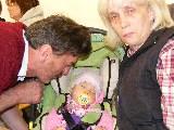 Anita und Jürgen bewachen Ihre Enkelin Sophie