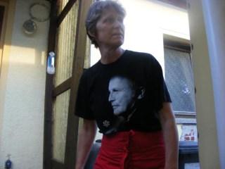 Marion mit Grönemeyer auf der Brust