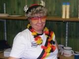 Kathrin als Fan gekleidet